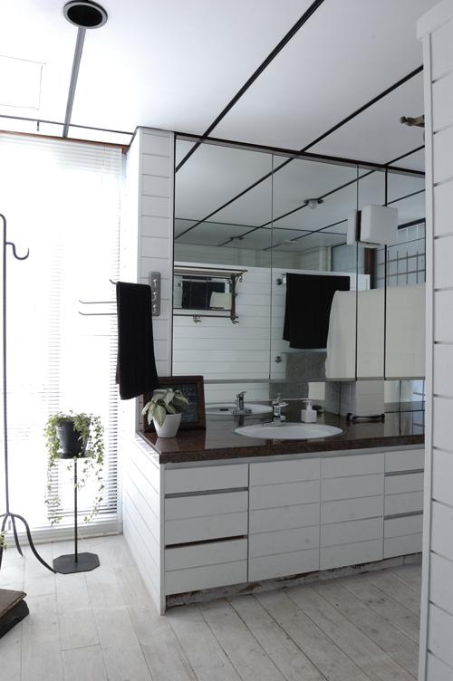 bath room02.jpg